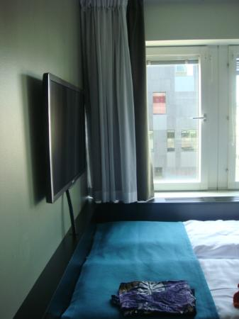 Comfort Hotel Stockholm: room with window