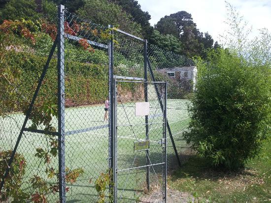 St. Brelades Bay Hotel: Tennis court