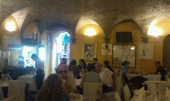 Taverna Roberteschi: l'interno