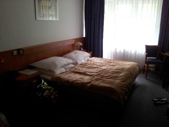 Inos: Zimmer 203