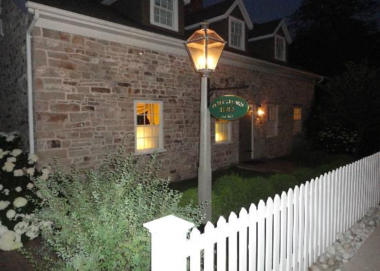 American Loyalist Peter Secord Inn c.1782 : Front of building