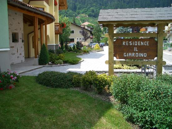 Entrata picture of residence il giardino croviana - Residence il giardino bellaria ...