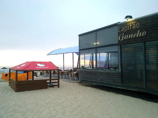 Capitao Gancho: The entrance to Capitão Gancho surprises, hidden behind natural dunes that surround the beach.