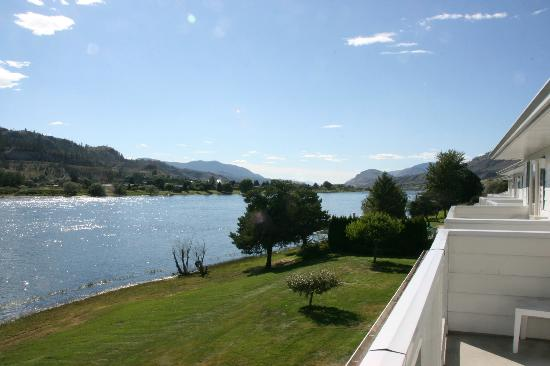 South Thompson Inn & Conference Center: View from balcony