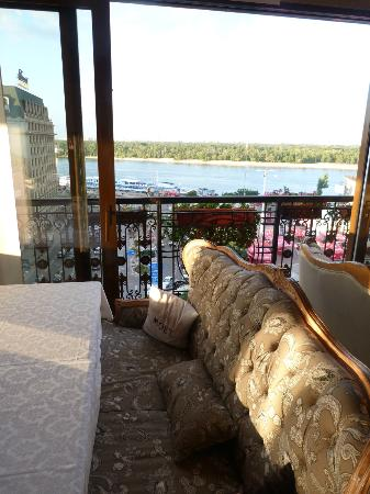 Boutique Hotel Riviera on Podol: The top floor terrace has a relaxed ambiance