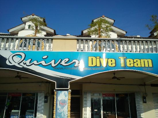 Pulau Sembilan: The only Dive Operator - Quiver Dive Team in Lumut