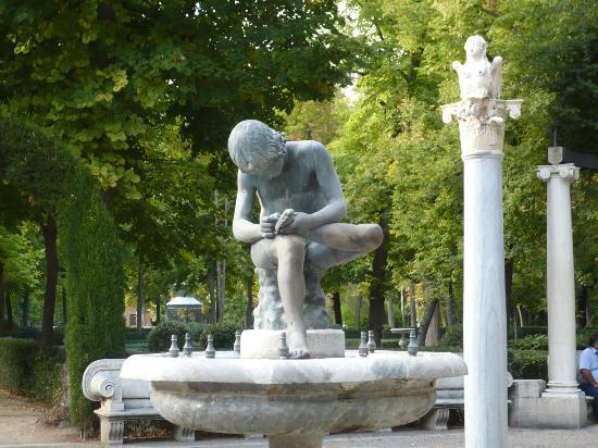 Esculturas en los jardines del palacio fotograf a de for Esculturas en jardines
