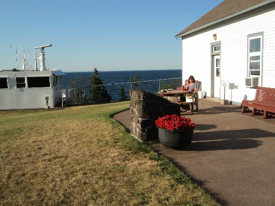 Lighthouse Bed & Breakfast: Area outside Skiff House