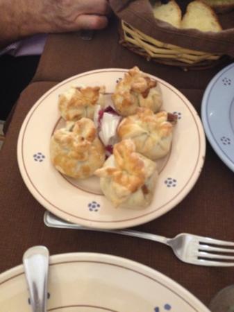 Taverna Garibaldi : fagottini di pasta sfoglia ripieni di funghi