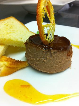 Sasso: cream caramel orange pate