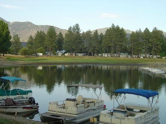 Lake Hemet: boats for rent