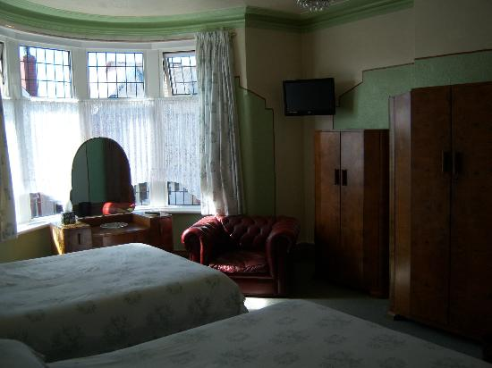 St Ives: a family room