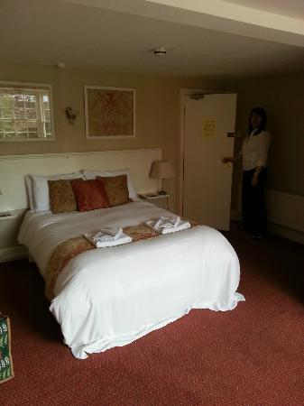 The Gillygate: Room 2