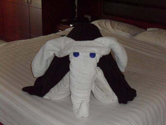 Sharm Holiday Resort Hotel: fab towel art