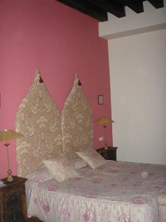 Hosteria Ayala Berganza: h