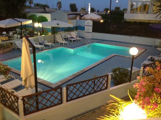Hotel Belvedere Mare: piscine exterieure