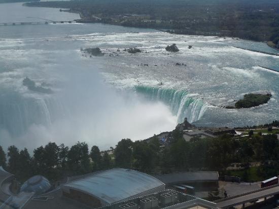 Hilton Niagara Falls/Fallsview Hotel & Suites : les chute de la chamdre