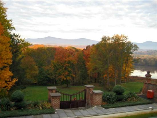 Chateau and Tudor Rooms, Saugerties Bed and Breakfast: Catskill Mountain