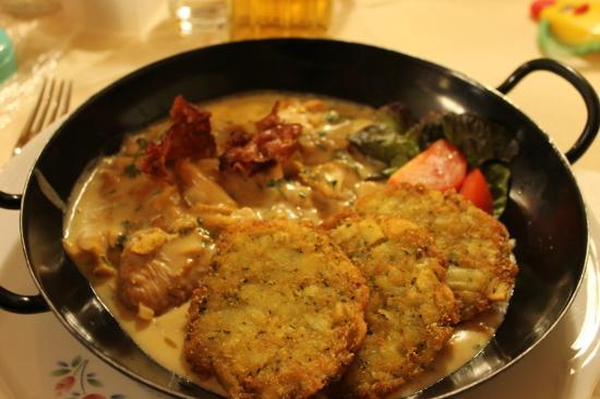 Gasthof Franz Josef: listarelle di tacchino con salsa ai funghi e crocchette di verdure