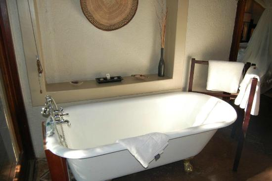 Jock Safari Lodge: Tub