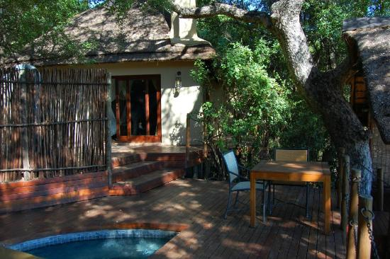 Jock Safari Lodge: Outside our private lodge