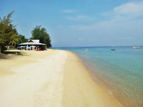Beach - Berjaya Tioman Resort: 10