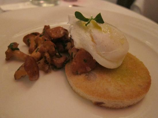 The Restaurant at Drakes: Course 2: Griolle mushrooms on toast with poached duck egg