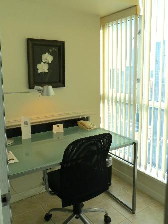 Carmana Plaza: Your private office