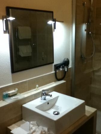 Sandalia Hotel : salle de bain