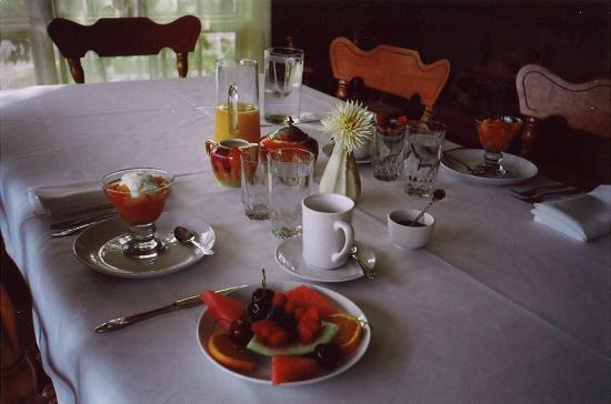 Gîte Le Vallon: Petit-déjeuner copieux et gourmand