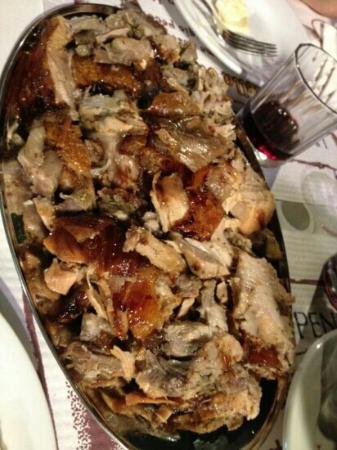 Casoli, Italia: la spettacolare porchetta