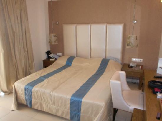 Mediterranean Village Hotel & Spa: schlafzimmer