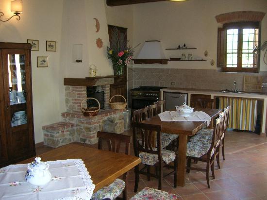 Agriturismo Podere Bellaria: Main kitchen