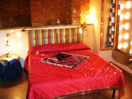 Agriturismo Podere Bellaria: Fienile-bedroom