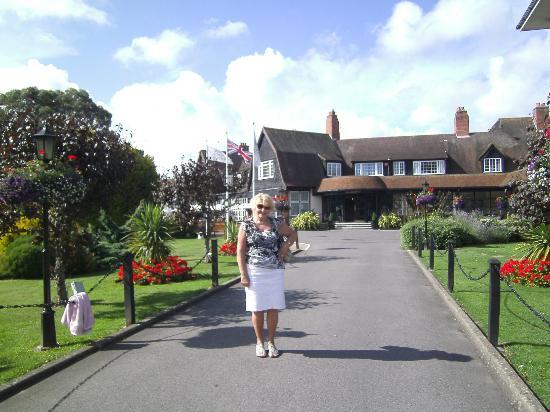 Hayling Island, UK: Reception and grounds!