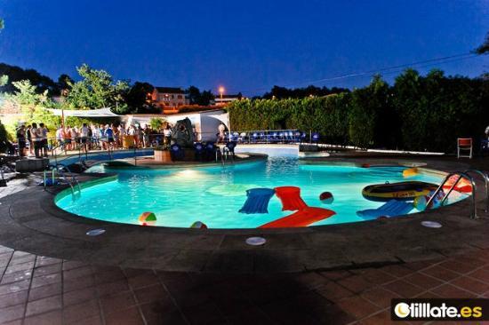 Acquamaris Hotel: Piscina