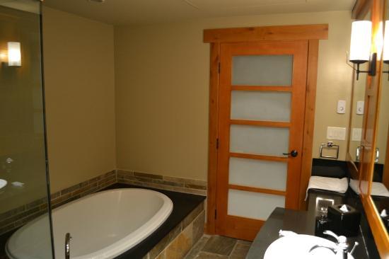 Nita Lake Lodge: Studio Suite