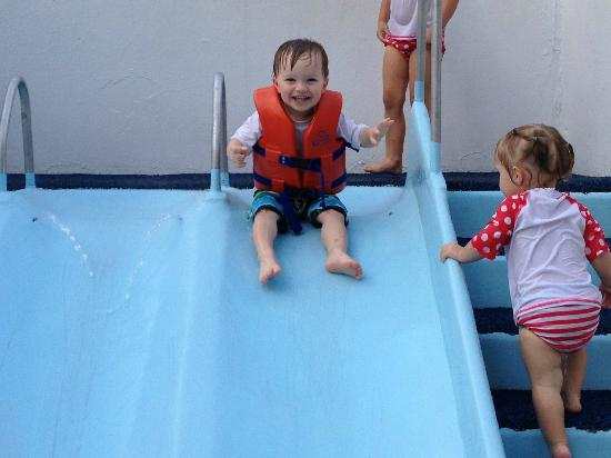 Water Country USA: Water Country Kiddie Slides