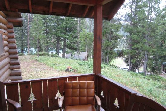 Pahaska Teepee Resort: Cabin 27 porch