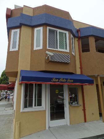 Seaside Inn: Einfahrtsbereich, Lobby