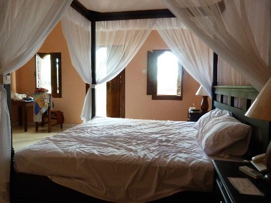 Bali Nibbana Resort: Bett