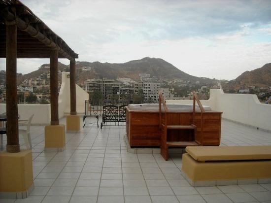 Marina Fiesta Resort & Spa: EL JACUZZI EN EL SOLARIUM