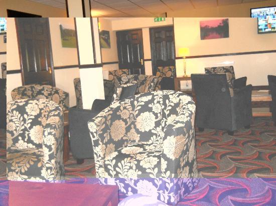 Fairway Hotel: lounge area