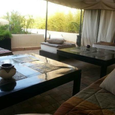 Riad Opale Marrakech : Roof terrace covered area