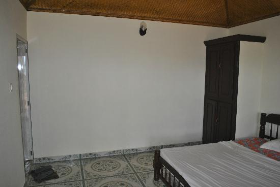 Maadathil Cottages - Bedroom