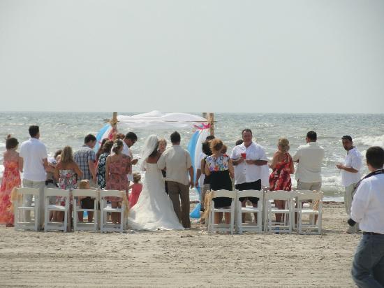 Casa Iniums Beach Wedding