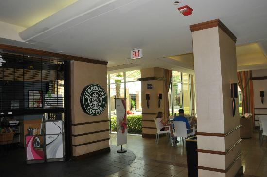 Doubletree By Hilton at the Entrance to Universal Orlando: Lobby area - with Starbucks