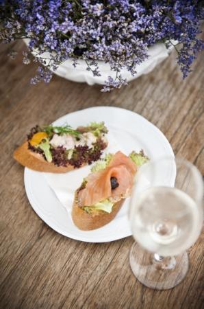 Delikatessen Frankowitsch: Shrimps und Lachsbrötchen