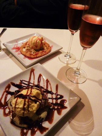Cucina Ristorante: Desserts: Cucina cookie and caramel shortcake surprise