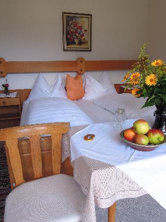 Cafe Pension Wiesenhof: Zimmer, Room